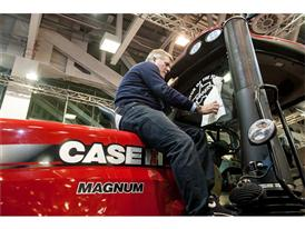 Case IH Magnum 380 CVX awarded Tractor of the Year 2015