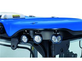 New Holland T7 Auto Command™ new LED swivelling lights