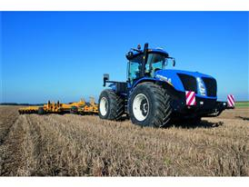 T9.565 on Michelin tyres conducting cultivation