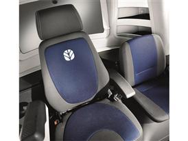 New Holland CX8.80 Elevation Combine Harvest Suite™ Ultra Cab