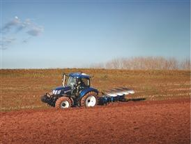 New Holland T6.160 AutoCommand™ BluePower in the Field