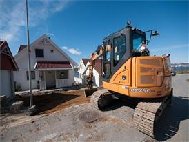 CX75C SR midi crawler excavators working in Norway