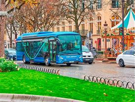 The HEULIEZ GX ELEC electric bus being road tested in Paris (portrait image)
