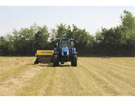 BC5000 conventional baler in hay