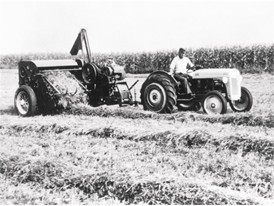 In 1940 New Holland develop the first self-tying pick-up baler