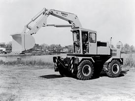 В 1969 году компания Case покупает права на производство многофункциональных фронтальных погрузчиков.