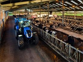 T6.155 Tier4B feeding cattle