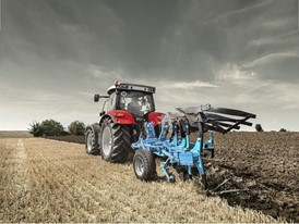 Steyr 6145 Profi Tractor ploughing