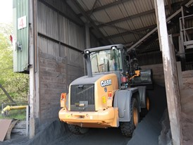 CASE Construction Equipment 521F XT wheel loader in waste configuration at