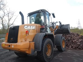 CASE Construction Equipment 521F XT wheel loader in waste configuration at work