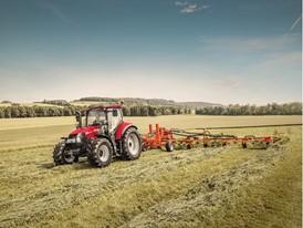Case IH Luxxum Tractor raking