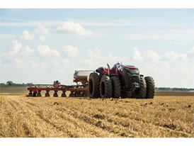 Case IH Magnum Autonomous Concept Tractor with the Case IH Early Riser 2150 Planter in the field