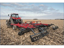 The Case IH True-Tandem™ 335 Barracuda vertical tillage tool