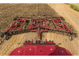 The Case IH True-Tandem™ 375 disk harrow paired with the Case IH Steiger® 620 Quadtrac® tractor