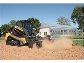 New Holland CTL tracks decrease mud and material build-up