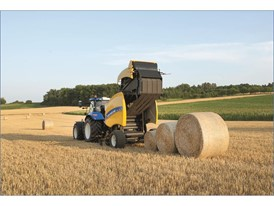 The IntelliBale™ system brings the tractor to a stop when the pre-set bale diameter has been reached