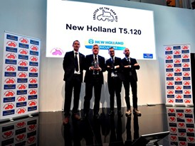 New Holland Agriculture accepts the Best Utility title for the T5.120 at the 2017 Tractor of the Year awards