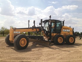 CASE 885B AWD with machine control