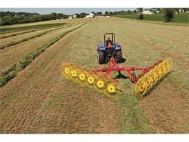 1225 12-Wheel wheel rake