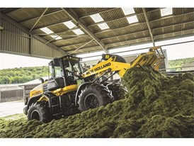 The New Holland Construction Wheel Loader working on the silage clamp