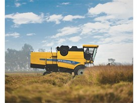 New Holland Agriculture Launches New TC5.30 Five Strawwalker Combine