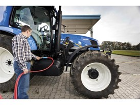 New Holland T6 Methane Power tractor prototype is as easy to fill as a standard diesel tractor