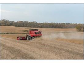 Axial-Flow 7140 harvesting grain