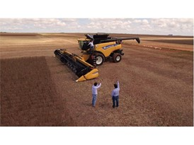 New Holland CR8.90 powered by the CURSOR 13 Engine sets new World Record