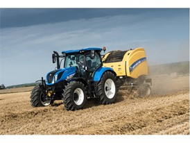 New Holland T6.175 Dynamic Command baling straw