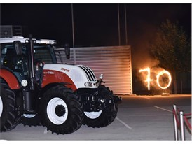 Showcase act with a STEYR 6165 CVT to celebrate 70th anniversary