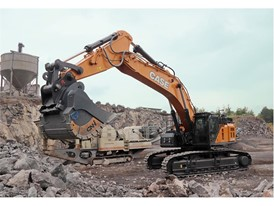 Backes Bau- und Transporte GmbH chose a CX750D in Mass Excavation version for its Dockweiler basalt quarry