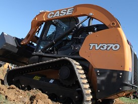 CASE TV370 Compact Track Loader