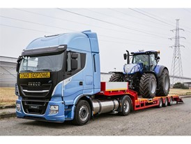 The IVECO Stralis NP 460, the most sustainable heavy long-haul truck and New Holland's Methane Powered Concept Tractor