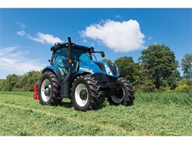 New Holland T6 with Dynamic command