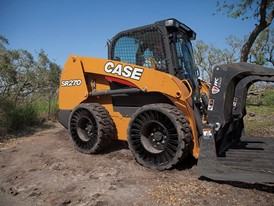 CASE SR270 Skid Steer Loader with Michelin Tweel