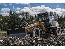The CASE 836C grader provides operators with the comfortable ride and outstanding controllability