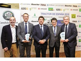 Riccardo Angelini,Alessandro Maritano and Carlo Lambro receiving the Tractor de España 2018