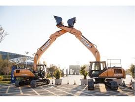 CASE Crawler Excavators CX210C