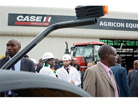President of Zimbabwe during his visit to Case IH distributor Agricon