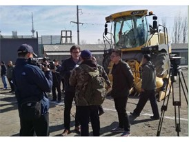 产品总监米凯利先生接受内蒙古电视台农牧频道记者采访