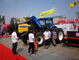 纽荷兰亮相2017年内蒙古国际畜牧业机械博览会