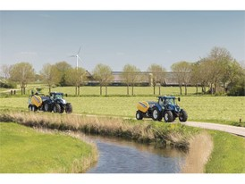 New Holland Tractors transporting the new Roll Baler 125