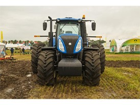 New Holland T8.410 on show at the All- Russia Field Day 2017