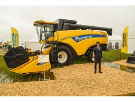 New Holland CX6090 Elevation combine harvester