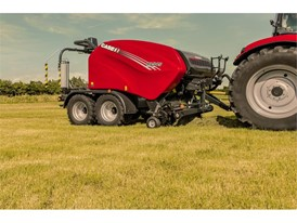 Case IH RB 545 Silage Pack fixed-chamber round baler