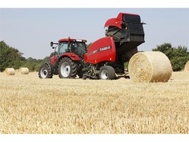 The RB455 variable chamber round baler