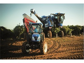New Holland's Braud 9090X harvested 197.6 tonnes of destemmed grapes in just 8 hours