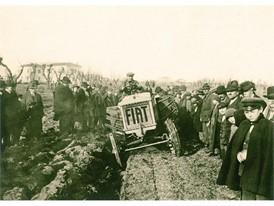 1918年,菲亚特开发首台拖拉机,菲亚特700A