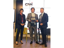 "Antonio Marzia, Head of Connected Services at CNH Industrial collecting the ""Green Pride of Innovation"" award"