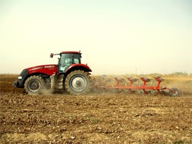 Magnum 3154 working in the field